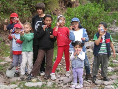 group of kids outside in Peru