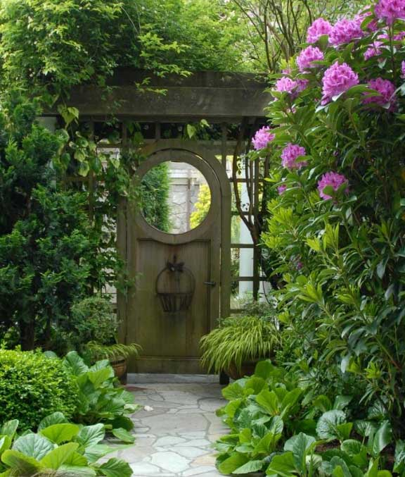 Gardening at dragon 39 s gate by - Japanese garden gates ideas ...